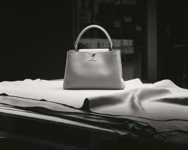 8c7bbf1a9cd9f Sacs porté main Femme \u2013 Louis Vuitton N91669 Capucines MM Mandarine sac  louis vuitton capucine